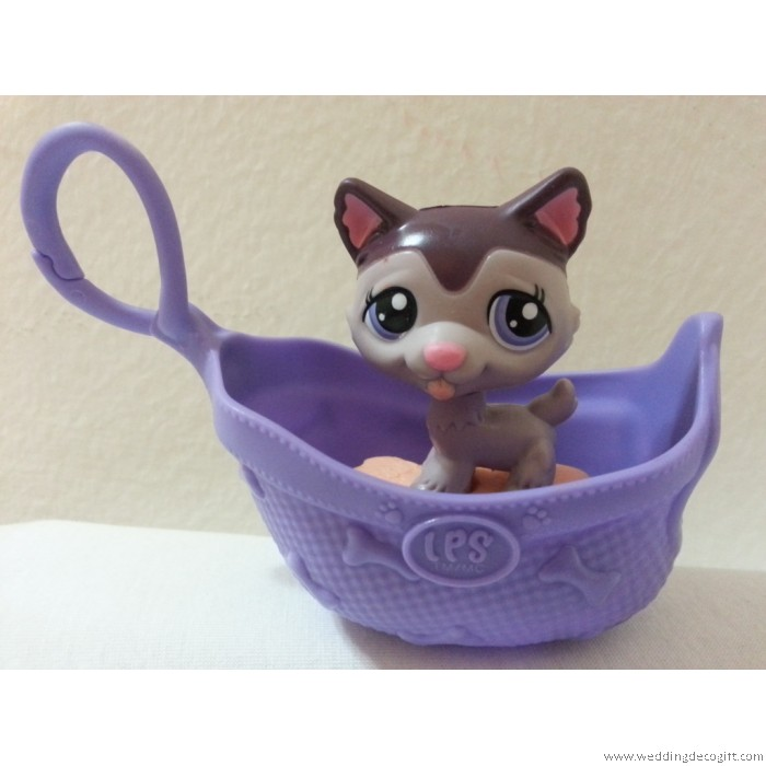 Littlest Pet Shop Toy Figurine In A Basket Littlest Pet